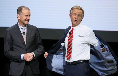 Dr. Herbert Diess, CEO, Volkswagen AG, and Governor of Tennessee Bill Haslam (R) attend the company's presentation at the North American International Auto Show in Detroit, Michigan, U.S., January 14, 2019. REUTERS/Jonathan Ernst
