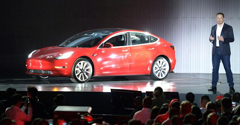Uh oh, an analyst drove a Tesla Model 3 and he found a bunch of problems with it
