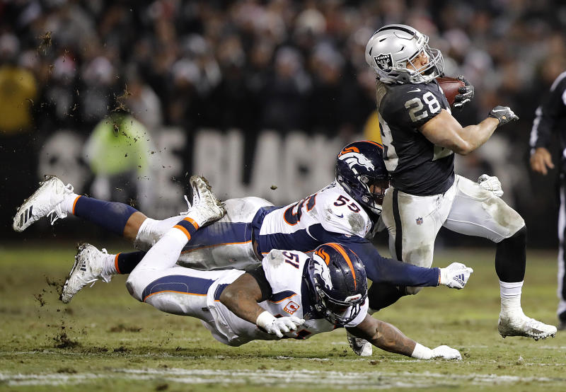 Raiders win possible final game in Oakland 27-14 vs. Broncos