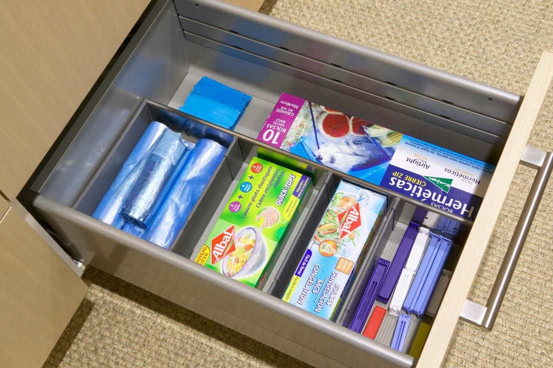 <p>You can hide your money in an airtight bag in the fridge. The idea is to put it in the back of the refrigerator in a large Tupperware box or old plastic ice box so it is not visible to anyone who opens up the fridge.</p><p>Talk about freezing your assets ...</p>  Credits: homify / DEULONDER arquitectura domestica