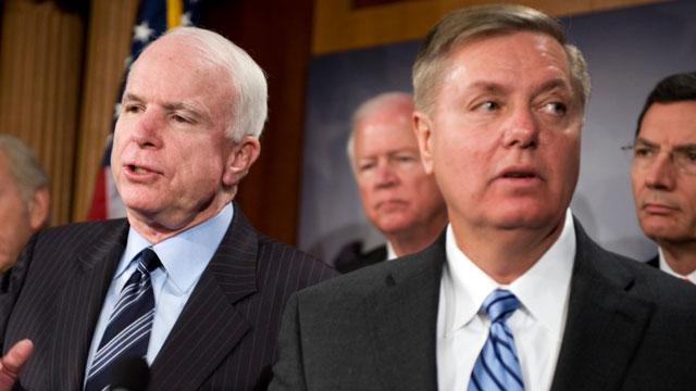 Sens. McCain, Graham to Meet With Obama on Immigration