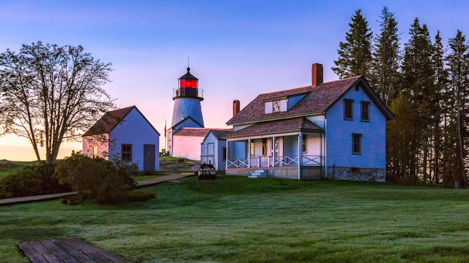 Dawn At The Burnt Island Lighthouse - Image.
