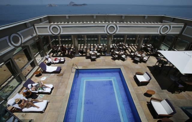 A view of the pool of the Caesar Park hotel, where the Netherlands soccer squad is staying for the FIFA 2014 World Cup, in Rio de Janeiro February 10, 2014. REUTERS/Sergio Moraes (BRAZIL - Tags: SPORT SOCCER WORLD CUP)