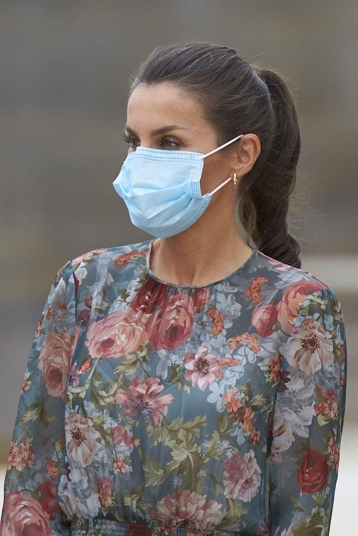 """<div class=""""inline-image__caption""""> <p>Queen Letizia visiting the Guggenheim Museum as part of a tour to promote tourism in Spain in Bilbao on July 17, 2020.</p> </div> <div class=""""inline-image__credit""""> Angel Naval/MARINA PRESS/Shutterstock </div>"""
