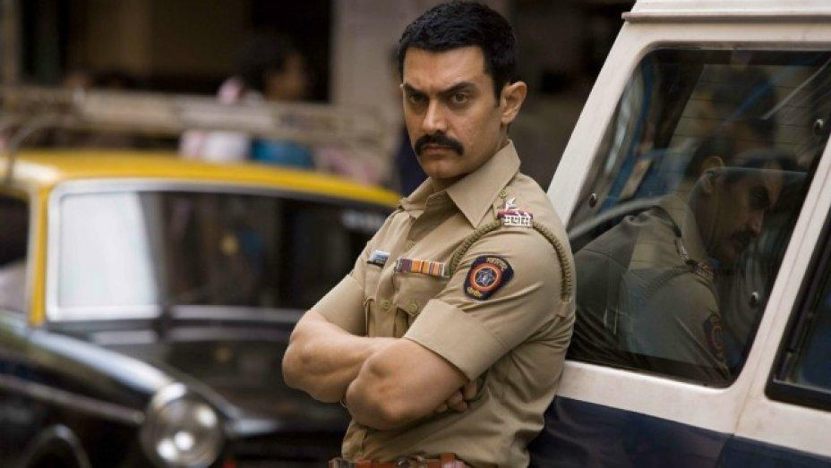 Talaash (2012) : This Aamir Khan film perhaps has the most interesting sub-plot ever and its end will definitely leave you craving for more or an alternative story line.