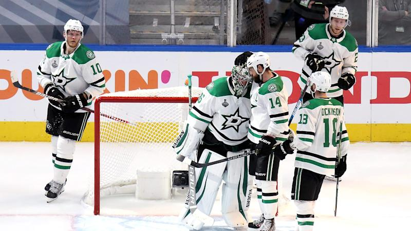 Anton Khudobin continues to be a 'rock' in goal for Stars