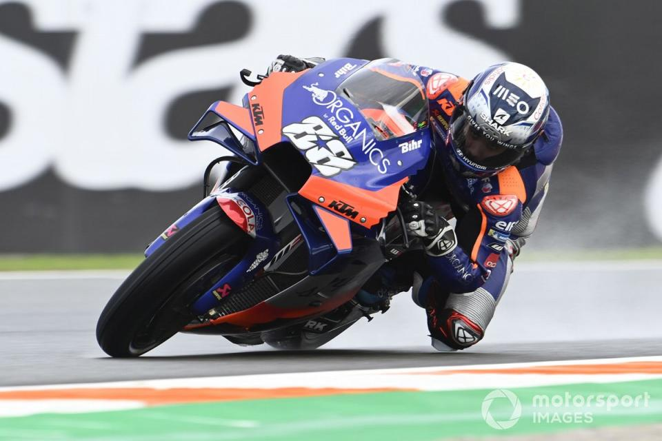 """P7 Miguel Oliveira, Red Bull KTM Tech 3<span class=""""copyright"""">Gold and Goose / Motorsport Images</span>"""