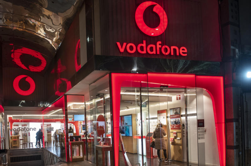 SPAIN - 2020/01/15: British multinational telecommunications corporation and phone operator, Vodafone, store seen in Spain. (Photo by Budrul Chukrut/SOPA Images/LightRocket via Getty Images)