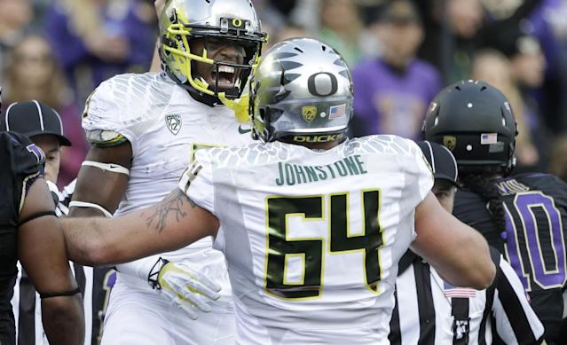 Oregon starting tackle Tyler Johnstone out for season with ACL tear