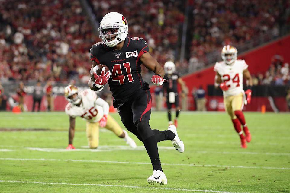 GLENDALE, ARIZONA - OCTOBER 31: Runningback Kenyan Drake #41 of the Arizona Cardinals rushes the football against the San Francisco 49ers during the second half of the NFL game at State Farm Stadium on October 31, 2019 in Glendale, Arizona. The 49ers defeated the Cardinals 28-25. (Photo by Christian Petersen/Getty Images)