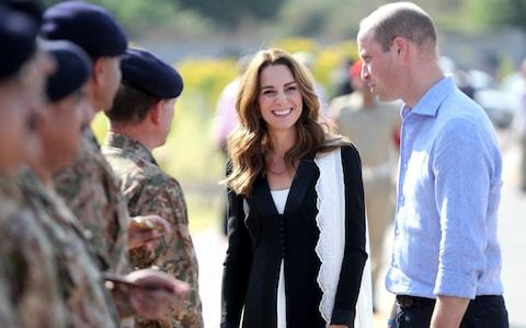 William and Kate in the Army Canine Centre in Islamabad - Credit: Getty
