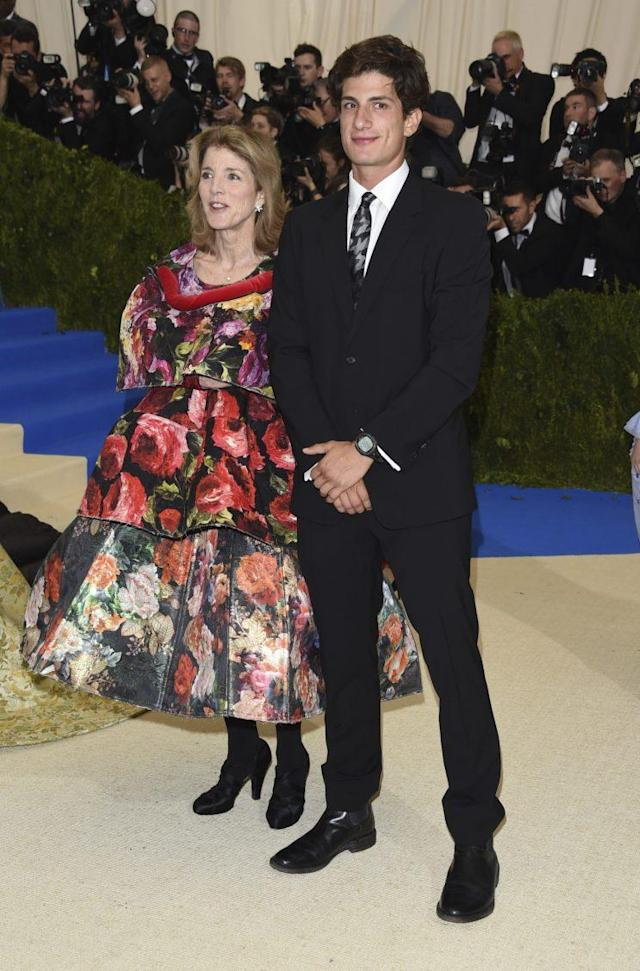 Jack Schlossberg and his mother, Caroline Kennedy, at the 2017 Met Gala (Photo: AP Images)