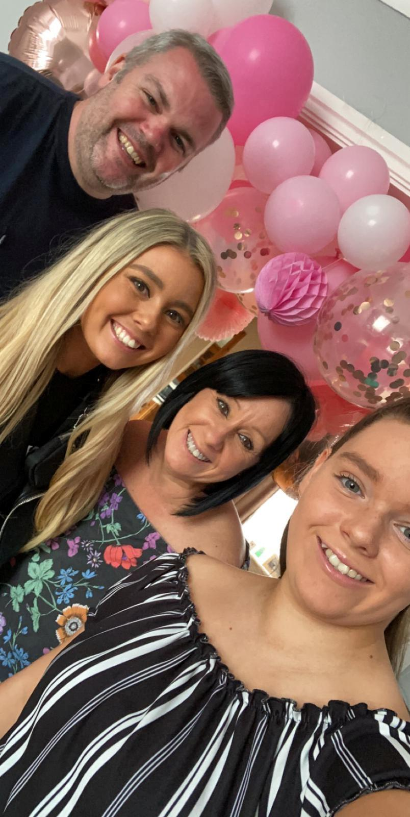 Amy Morgan enjoyed a few drinks with her parents and younger sister (SWNS)