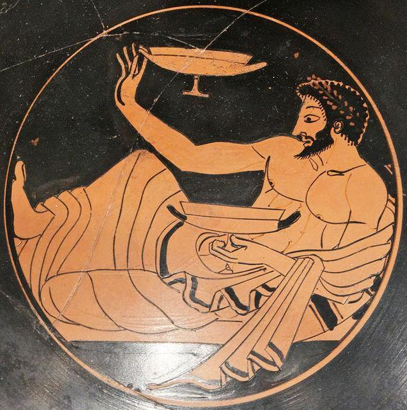 A man plays kottabos in the artwork on this terracotta kylix, housed at the Metropolitan Museum of Art. The cup is attributed to the Kleophrades Painter and dates back to about 500 B.C.