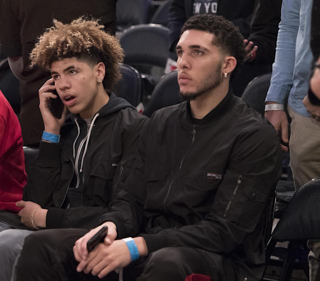 LaMelo (L) and LiAngelo Ball will report to Vytautas Prienai on Jan. 3. (Getty Images)