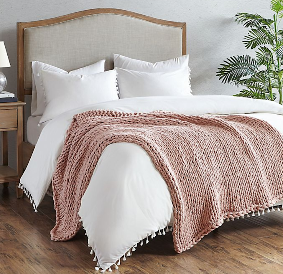 """<br> <br> <strong>Madison Park</strong> Chunky Double Knit Handmade Throw Blanket, $, available at <a href=""""https://go.skimresources.com/?id=30283X879131&url=https%3A%2F%2Fwww.bedbathandbeyond.com%2Fstore%2Fproduct%2Fmadison-park-chunky-double-knit-handmade-throw-blanket%2F5339038"""" rel=""""nofollow noopener"""" target=""""_blank"""" data-ylk=""""slk:Bed Bath and Beyond"""" class=""""link rapid-noclick-resp"""">Bed Bath and Beyond</a>"""