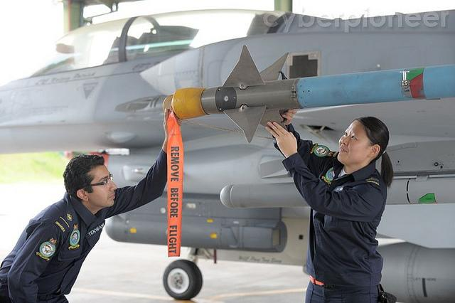 Before the No. 4 uniform, air force personel had to wear the navy coverall. (Photo courtesy of MINDEF)