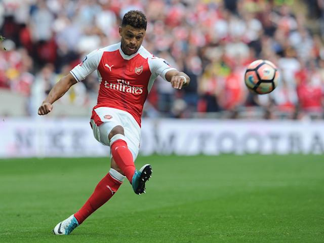 Alex Oxlade-Chamberlain could feature against Leicester despite Wembley injury, says Arsene Wenger