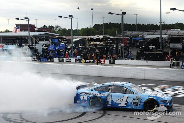 "1. Kevin Harvick, Stewart-Haas Racing, Ford Mustang <span class=""copyright"">NASCAR Media</span>"