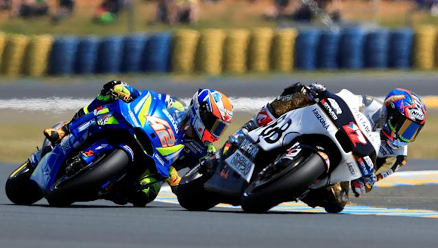 Motorcycling - MotoGP - French Grand Prix - Bugatti Circuit, Le Mans, France - May 18, 2018 Suzuki's Alex Rins and Ducati's Karel Abraham during practice REUTERS/Gonzalo Fuentes