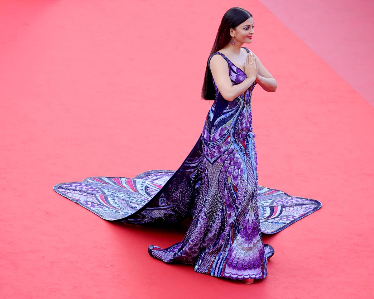 <p>Aishwarya Rai ha indossato questo look spettacolare per la presentazione del film 'Girls of the Sun'.<br />(Getty Images) </p>