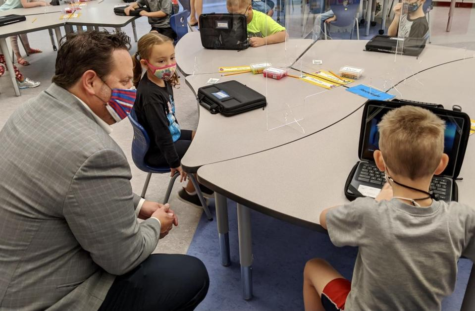Virginia Beach City Public Schools Superintendent Aaron Spence visits with students at Thoroughgood Elementary School. (Virginia Beach City Public Schools)