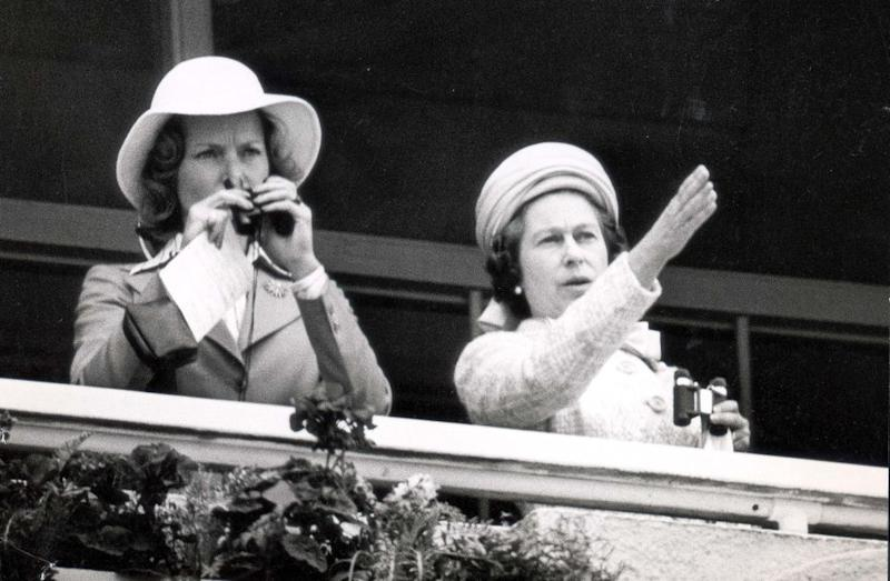 The Queen (right) and Lady Porchester | Daily Mail/REX/Shutterstock