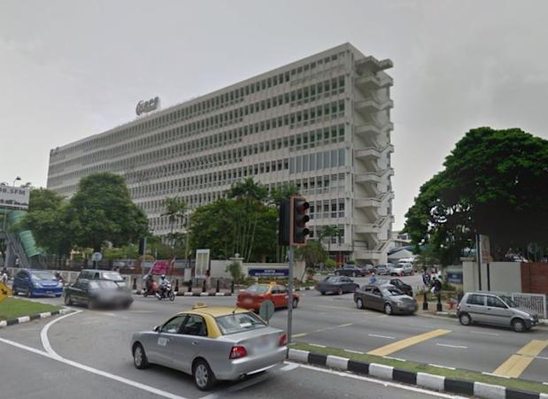 A drowning victim is fighting for life at the Intensive Care Unit (ICU) in Hospital Raja Permaisuri Bainun. — Picture courtesy of Google Maps