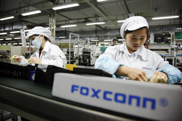 Foxconn, which makes electronic devices for Apple and Amazon in China, will open its first U.S. facility in Winsoncin. (Photo/Fortune)