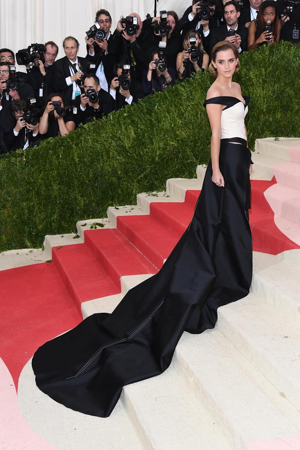 <p>Some were admittedly a little confused when Emma Watson stepped out in a monochrome look by Calvin Klein for the 'Manus x Machina: Fashion in an Age of Technology' gala.<br>But the actress had adopted a more serious interpretation of the 2016 ceremony, as she teamed up with environmental acitivist Livia Firth for a look which was made from three materials crafted using just plastic bottles. <em>[Photo: Getty]</em> </p>