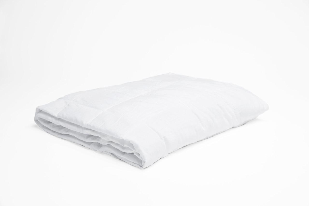 """<p>The <a rel=""""nofollow"""" href=""""https://www.popsugar.com/buy/Coolmax%20Weighted%20Blanket-375513?p_name=Coolmax%20Weighted%20Blanket&retailer=weightingcomforts.com&price=269&evar1=fit%3Aus&evar9=45410504&evar98=https%3A%2F%2Fwww.popsugar.com%2Ffitness%2Fphoto-gallery%2F45410504%2Fimage%2F45411904%2FCoolmax-Weighted-Blanket&list1=stress%2Csleep%2Cmental%20health%2Canxiety%2Chealthy%20living&prop13=mobile&pdata=1"""" rel=""""nofollow"""">Coolmax Weighted Blanket</a> ($269-$299) is breathable and features technology that keeps moisture distributed evenly to prevent your body from getting hot. The fabric also goes through a specific tufting process, so the blankets are extra soft and smooth. Sounds cool to me.</p>"""