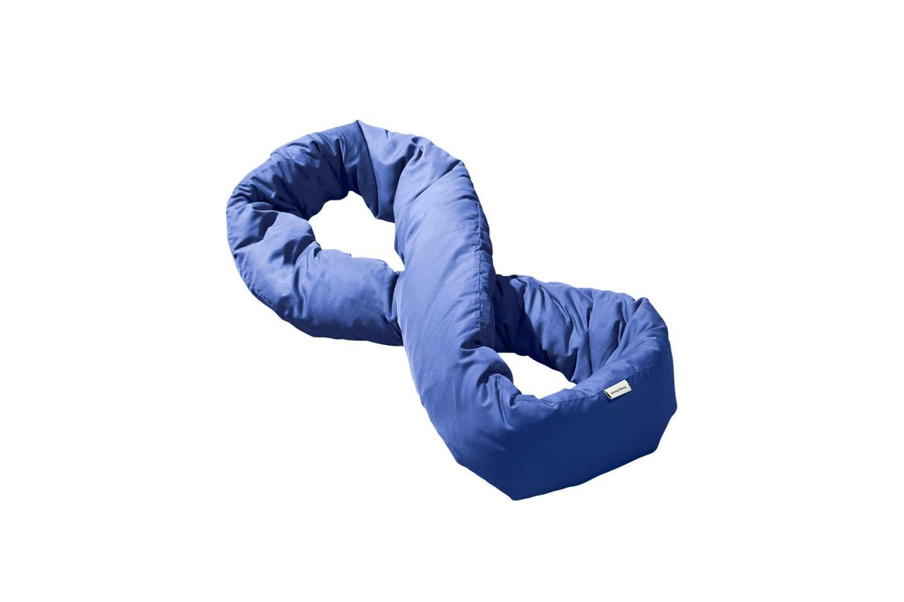 "The loopable style is like a little duvet for your neck and squishable for easy packing.  <strong>Buy It!</strong> $39; <a rel=""nofollow"" href=""https://infinitypillow.co/product/infinity-pillow/?attribute_pa_colors=navy"">infinitypillow.co</a>"