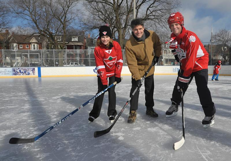 Multimedia Update - Canadian Tire and Scotiabank Help to Keep Community Rinks Open for Toronto Families