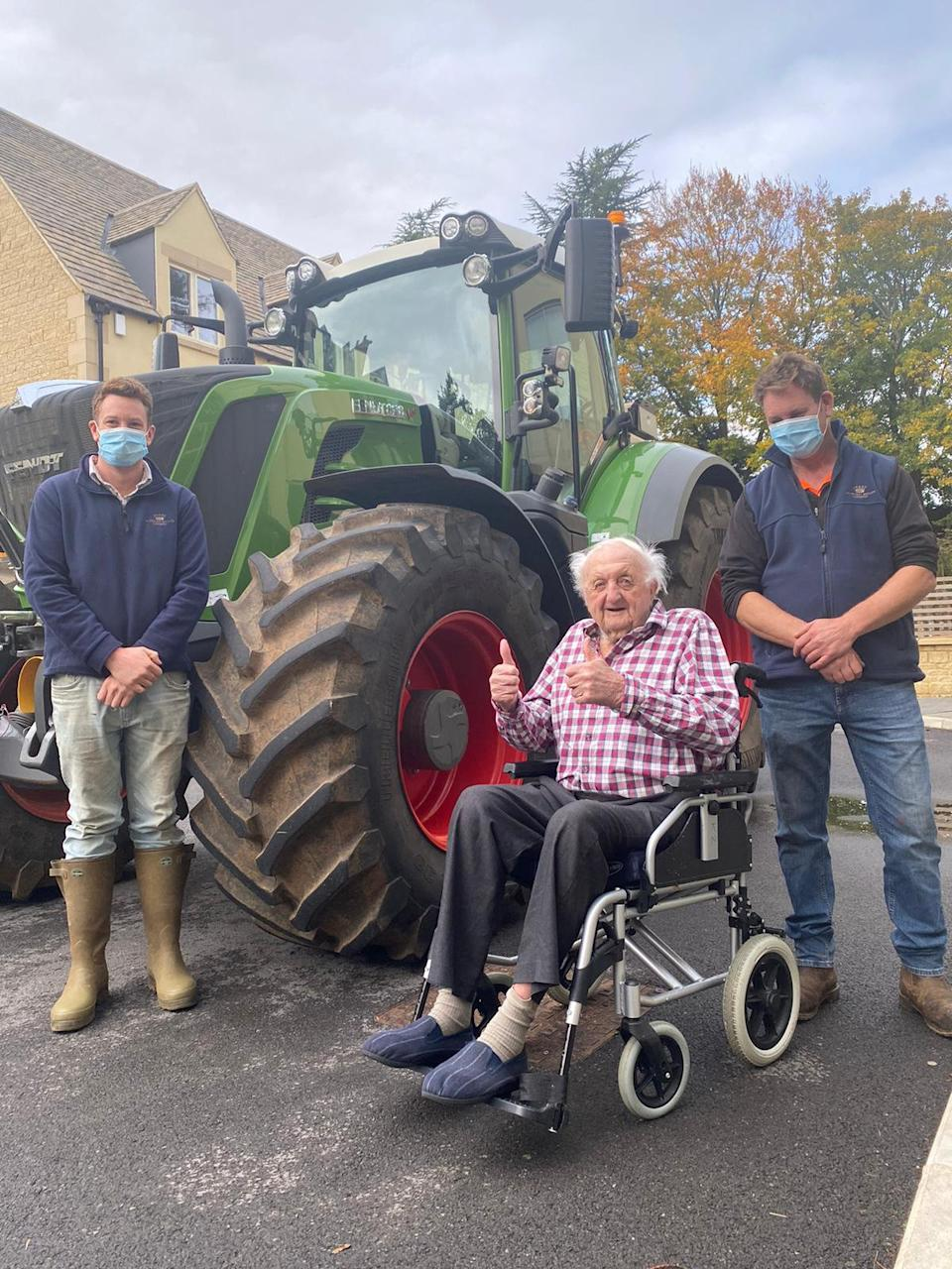 Frank, 94, and Margaret, 98, had their wish to see and sit on a combine harvester (swns)
