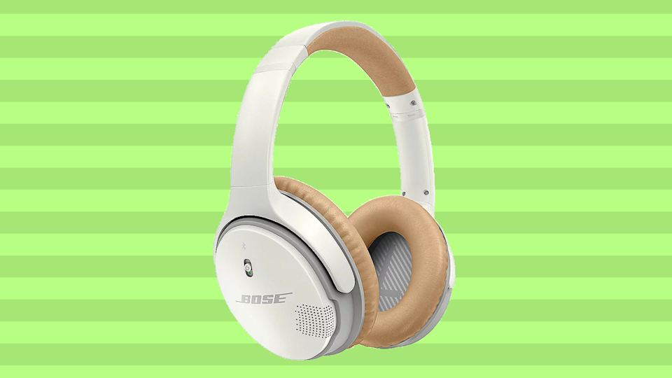 Save $51 on these Bose SoundLink II Around-Ear Bluetooth Headphones. (Photo: Bose)