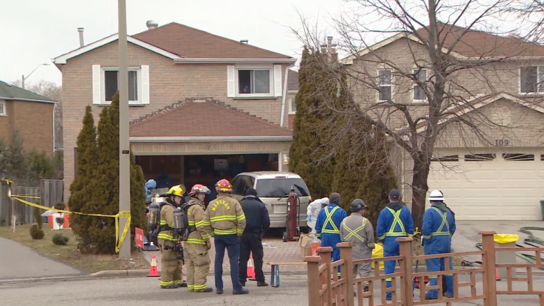 Hazmat team descends on Markham home removing glass beakers, large barrels