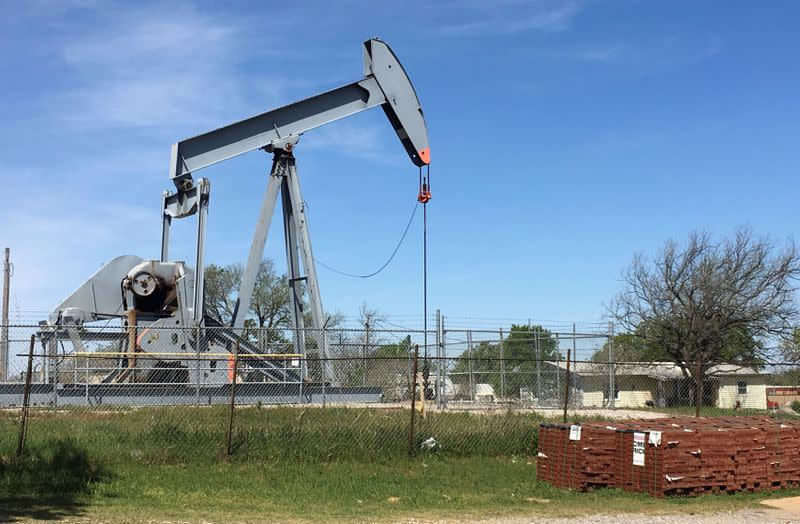Reeling Oklahoma oil producers win right to keep leases while wells shut