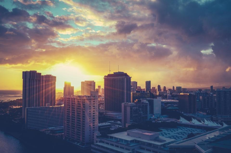 cityscape photo of Honolulu, Hawaii at sunrise