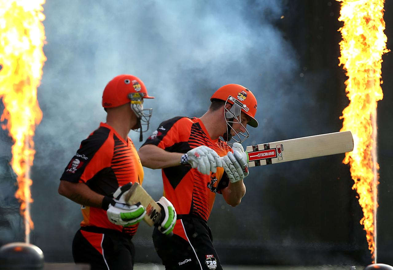 PERTH, AUSTRALIA - DECEMBER 29: Herschelle Gibbs and Shaun Marsh of the Scorchers walk out to bat during the Big Bash League match between the Perth Scorchers and the Melbourne Renegads at WACA on December 29, 2012 in Perth, Australia.  (Photo by Paul Kane/Getty Images)