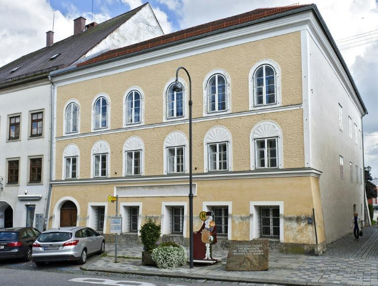 The corner house in Braunau where Adolf Hitler was born is to become a police station (AFP Photo/MANFRED FESL)