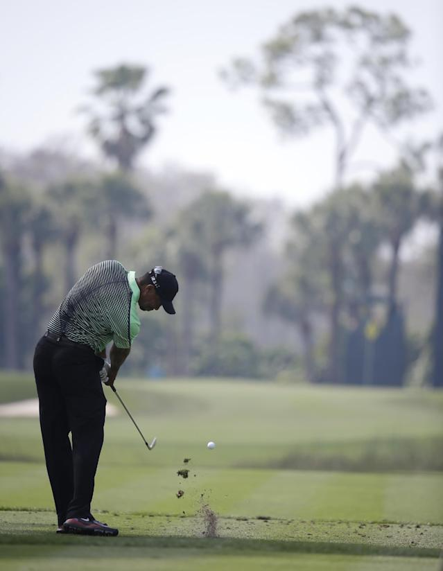 Tiger Woods tees off on the seventh hole during the second round of the Honda Classic golf tournament, Friday, Feb. 28, 2014, in Palm Beach Gardens, Fla. (AP Photo/Lynne Sladky)