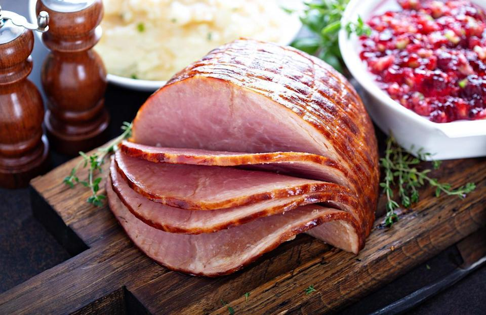 """<p>There are a lot of people out there who don't care for turkey, and if members of your guestlist happen to be among them, it may be good to have some different main dish options. Luckily, there are plenty of festive meat choices for the holiday season including <a href=""""https://www.thedailymeal.com/recipes/lemon-basil-cornish-hen-roasted-vegetables-recipe?referrer=yahoo&category=beauty_food&include_utm=1&utm_medium=referral&utm_source=yahoo&utm_campaign=feed"""" rel=""""nofollow noopener"""" target=""""_blank"""" data-ylk=""""slk:Cornish game hens"""" class=""""link rapid-noclick-resp"""">Cornish game hens</a>, <a href=""""https://www.thedailymeal.com/cook/guide-cooking-perfect-ham?referrer=yahoo&category=beauty_food&include_utm=1&utm_medium=referral&utm_source=yahoo&utm_campaign=feed"""" rel=""""nofollow noopener"""" target=""""_blank"""" data-ylk=""""slk:ham"""" class=""""link rapid-noclick-resp"""">ham</a>, duck, <a href=""""https://www.thedailymeal.com/cook/35-chicken-recipes-busy-weeknights-0?referrer=yahoo&category=beauty_food&include_utm=1&utm_medium=referral&utm_source=yahoo&utm_campaign=feed"""" rel=""""nofollow noopener"""" target=""""_blank"""" data-ylk=""""slk:chicken"""" class=""""link rapid-noclick-resp"""">chicken</a>, prime rib and more.</p>"""