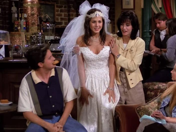 For her first appearance, Rachel Green had just left her own wedding.