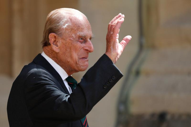 Britain's Prince Philip, Duke of Edinburgh waves as he takes part in the transfer of the Colonel-in-Chief of The Rifles at Windsor castle in Windsor on July 22, 2020. (Photo by Adrian DENNIS / POOL / AFP) (Photo by ADRIAN DENNIS/POOL/AFP via Getty Images)