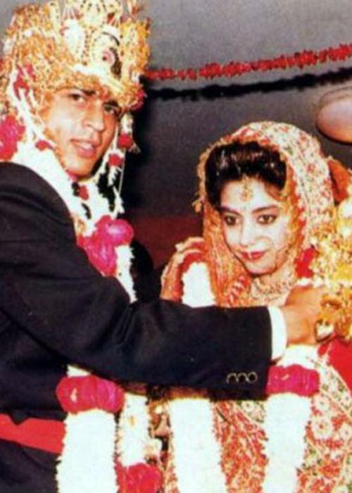"""<div class=""""heading03""""><b>1. Shah Rukh Khan and Gauri Chhibber</b></div> <p> Nobody comes close to our King Khan when it comes to his real life  romance with wife Gauri. The actor won Gauri's heart, but just like a  typical 90s masala film had the whole family 'brigade'of Gauri, against  their marriage. But at last, this Dilwala took the Dulhaniya away and  are now a blissfully married couple.</p>"""