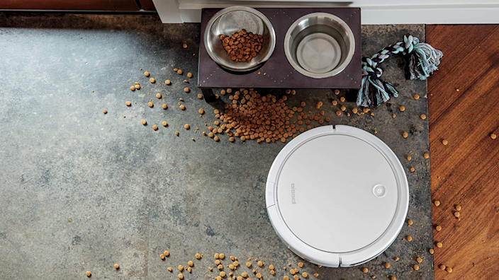 Best gifts for brothers: Bissell robot vacuum