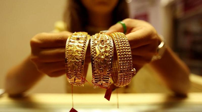 Gold Rate Today: Price of Yellow Metal Slips to 51,665 per 10 gram, Silver Falls to Rs 66,821 Per Kg