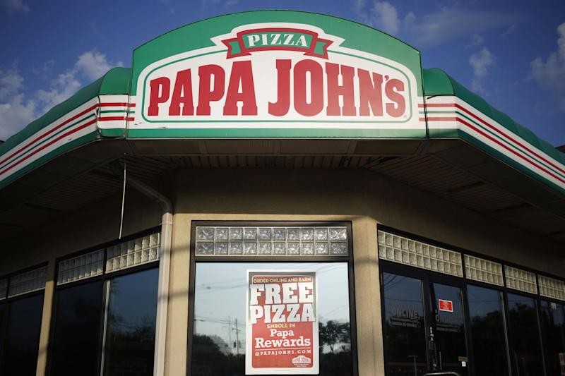 Papa John's +4% after earnings, C-suite shakeup