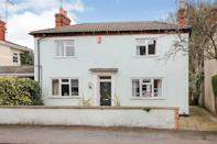 """<p>Over in Kidderminster, Worcestershire, this detached home is filled with charm. As well as spacious rooms and unique furnishings (such as the hanging coffee cups in the kitchen), it has a well cared-for outdoor space.</p><p><a href=""""https://www.zoopla.co.uk/for-sale/details/58237765/"""" rel=""""nofollow noopener"""" target=""""_blank"""" data-ylk=""""slk:This property is currently on the market for £220,000 with Shipways via Zoopla."""" class=""""link rapid-noclick-resp"""">This property is currently on the market for £220,000 with Shipways via Zoopla.</a><br></p>"""