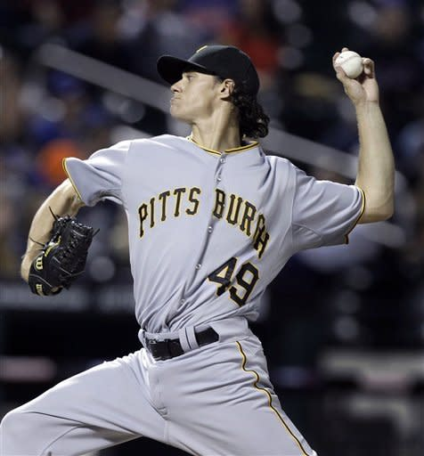 Pittsburgh Pirates starting pitcher Jeff Locke delivers in the first inning against the New York Mets in the inning of their baseball game at Citi Field in New York , Wednesday, Sept. 26, 2012. (AP Photo/Kathy Willens)